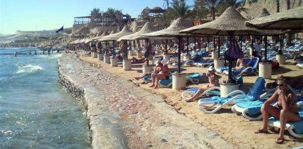 Egypt eyes return to pre-uprising tourist numbers - minister