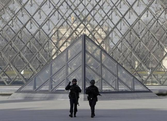 Egypt condemns attack on Paris Louvre, attacker believed to be Egyptian