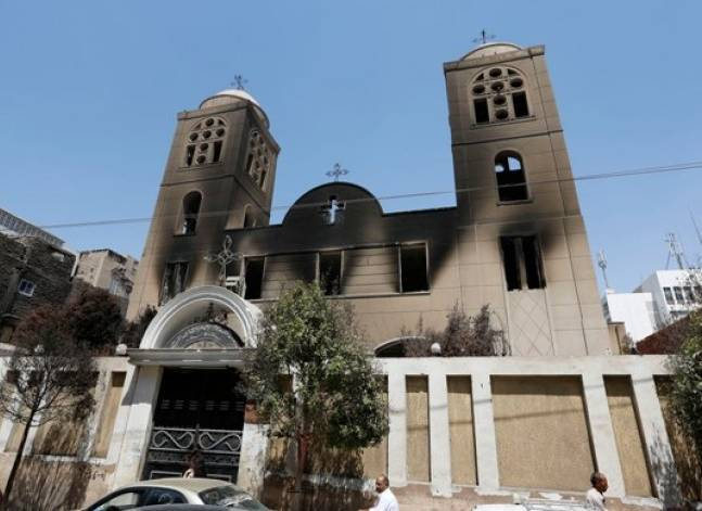 Egypt's Christians flee Sinai amid Islamic State killing spree
