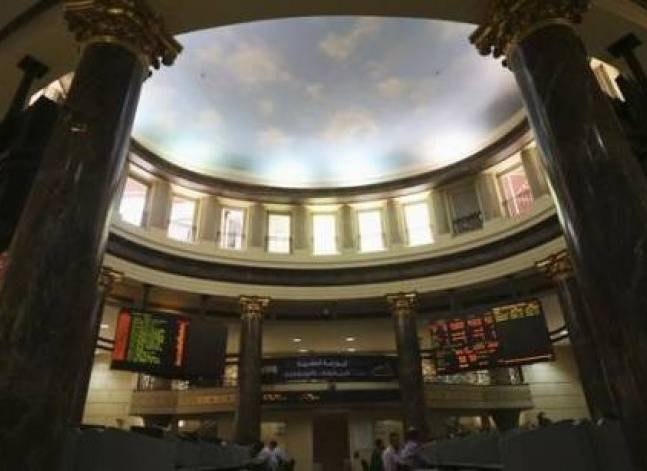 Gulf shares rise after oil prices climb, Egypt eases off 13-month high