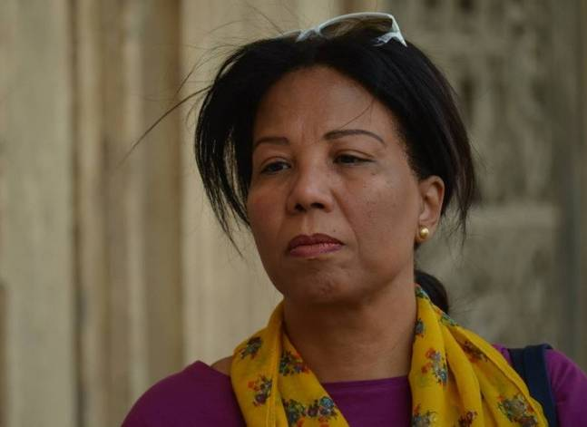 Egyptian women's rights advocate Azza Soliman freed on bail
