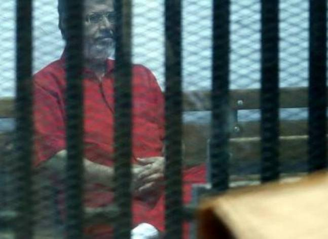 Egypt court overturns life sentence against Mursi in espionage case