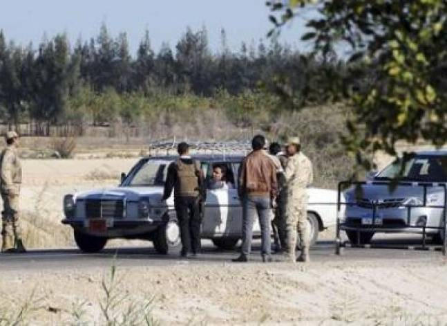 Egyptian police kill four in shootout in Cairo outskirts
