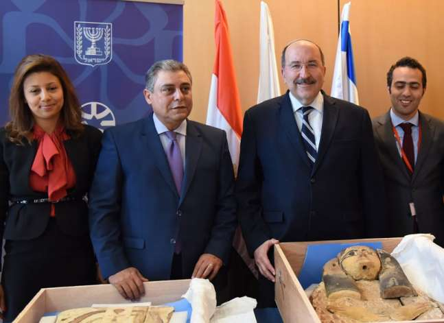 Israel says return of artefacts to Egypt shows relations warming