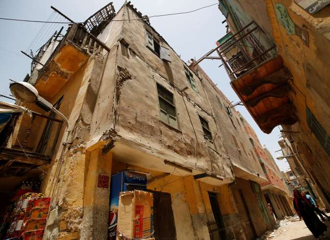 Egypt builds new homes to replace crumbling slums