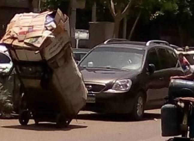 Pilot project to purchase garbage from citizens to start in Cairo, paper