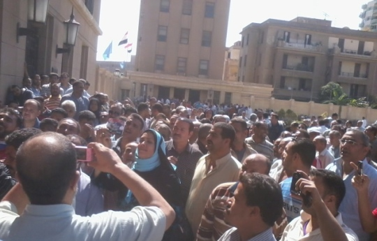 Mahallah strike continues as minister gives ultimatum