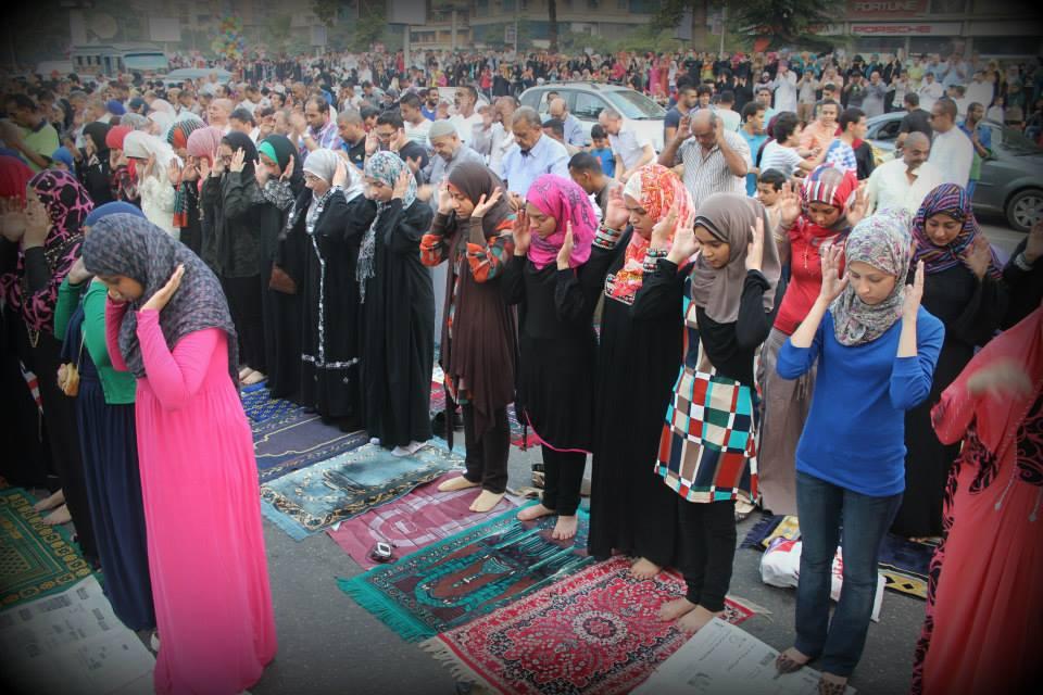 Eid prayer sermons echo Egypt politics