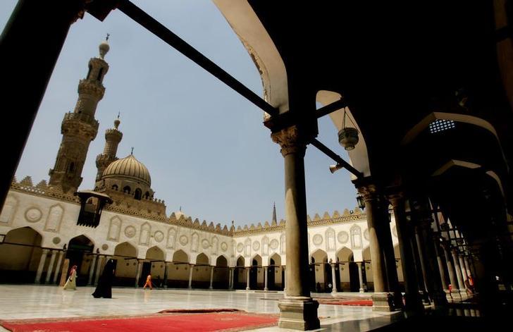 Endowments ministry closely monitors Friday sermons