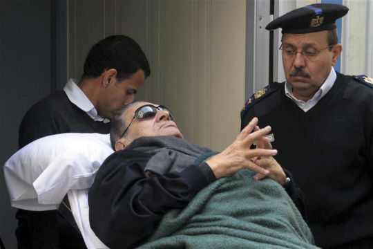 Trial of Hosni Mubarak resumes