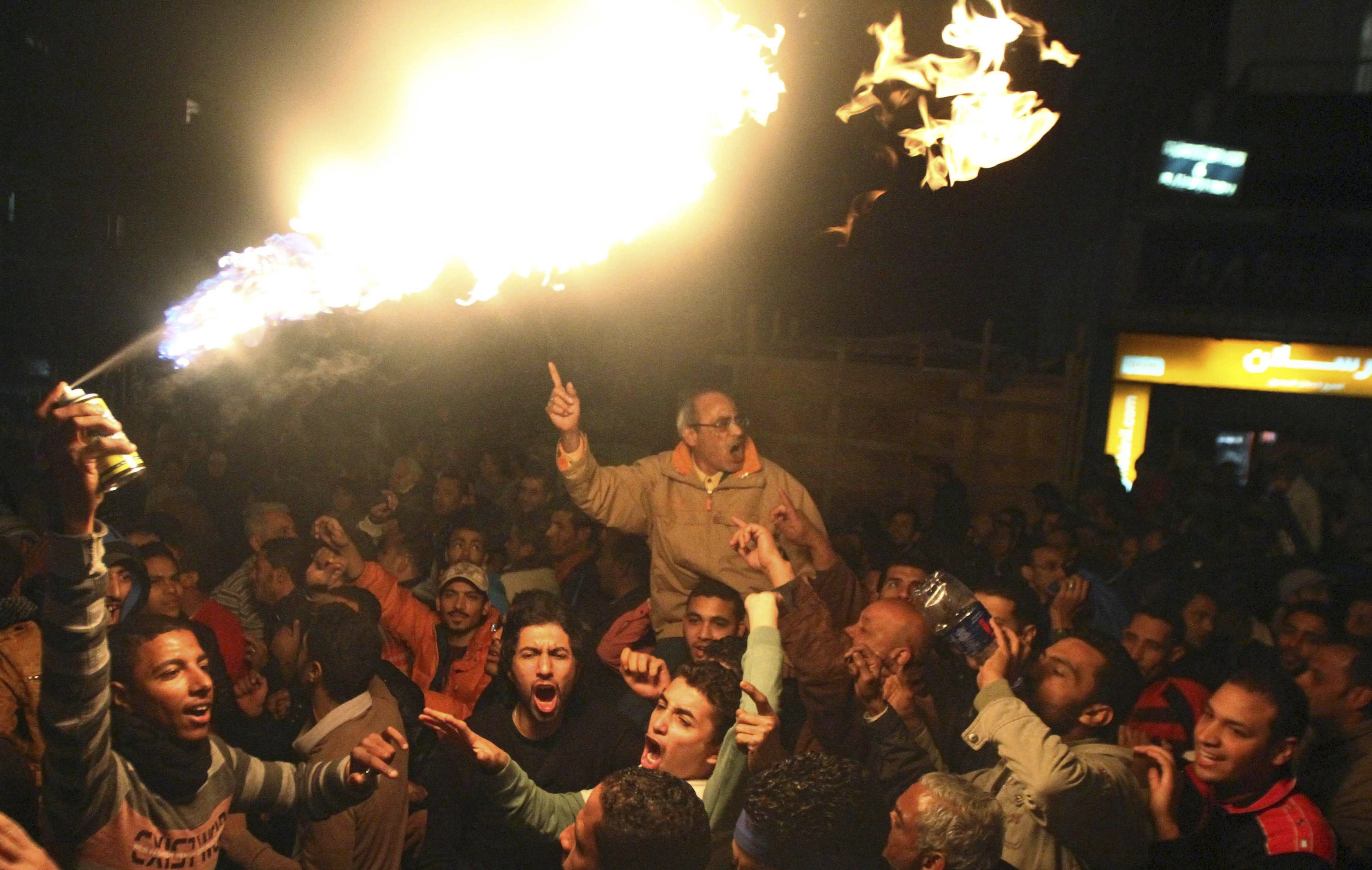 Update - Army warns unrest pushing Egypt to the brink