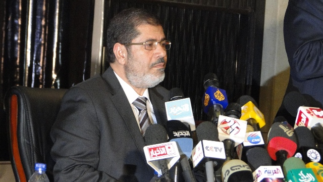 Morsi advisor resigns over 'undemocratic' Constitutional Declaration