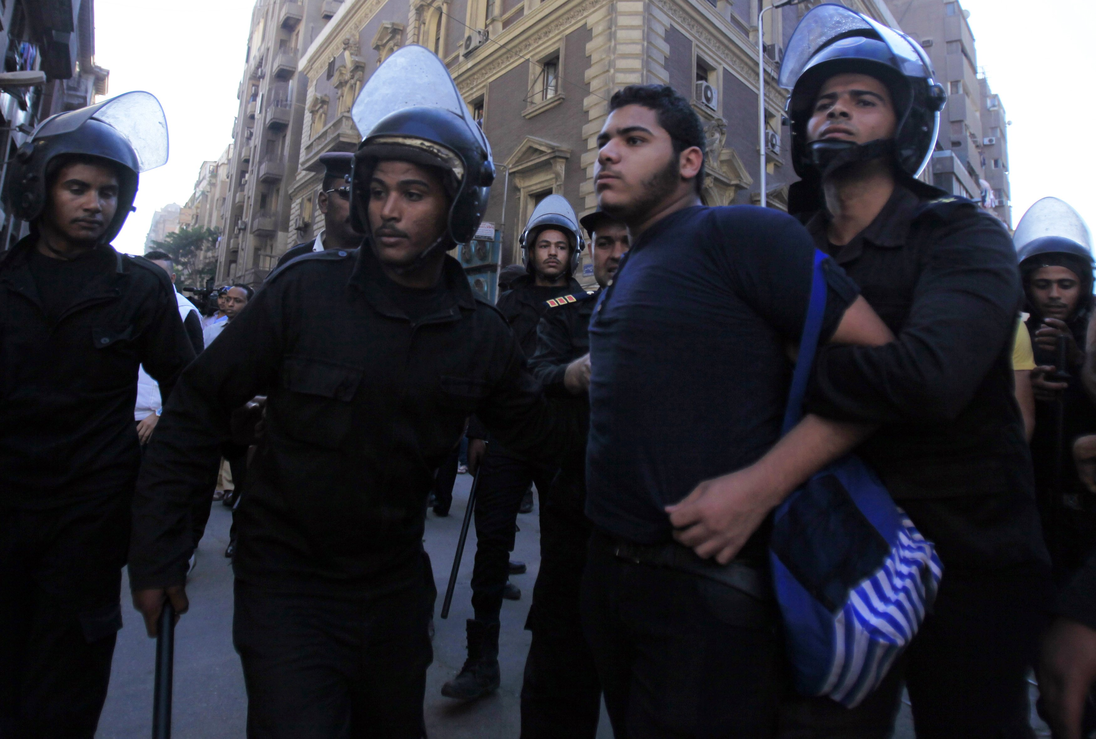Egyptians create app to tell families and lawyers they are being arrested
