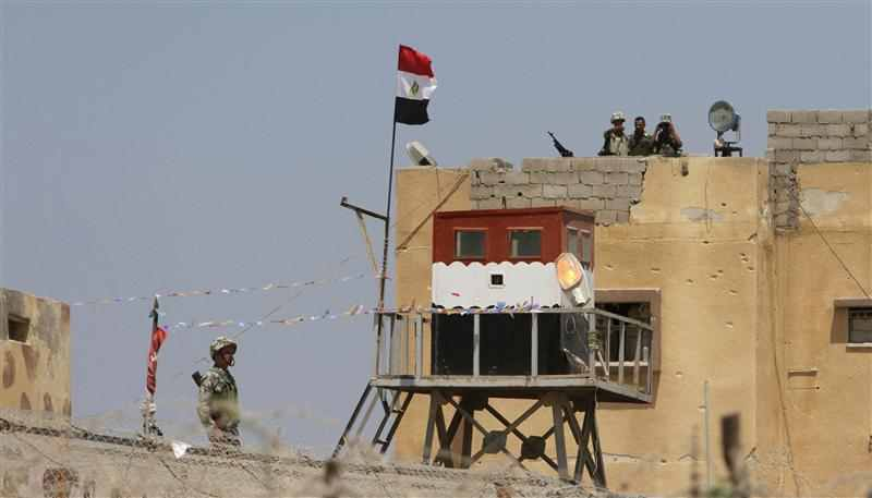 Egypt secures Gaza border, presses Sinai campaign