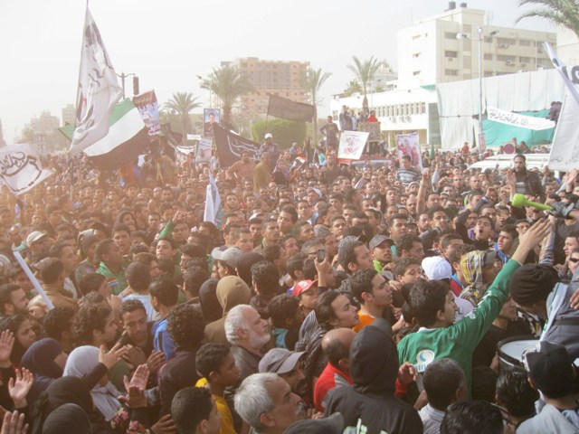 Port Said protesters want Mursi put on trial