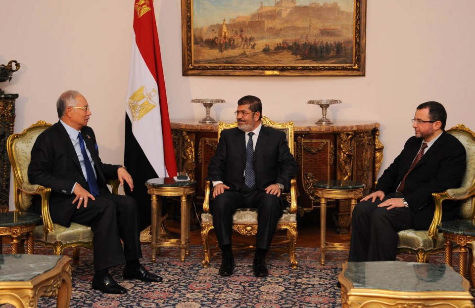 Egypt's Mursi discusses trade with Malaysian PM