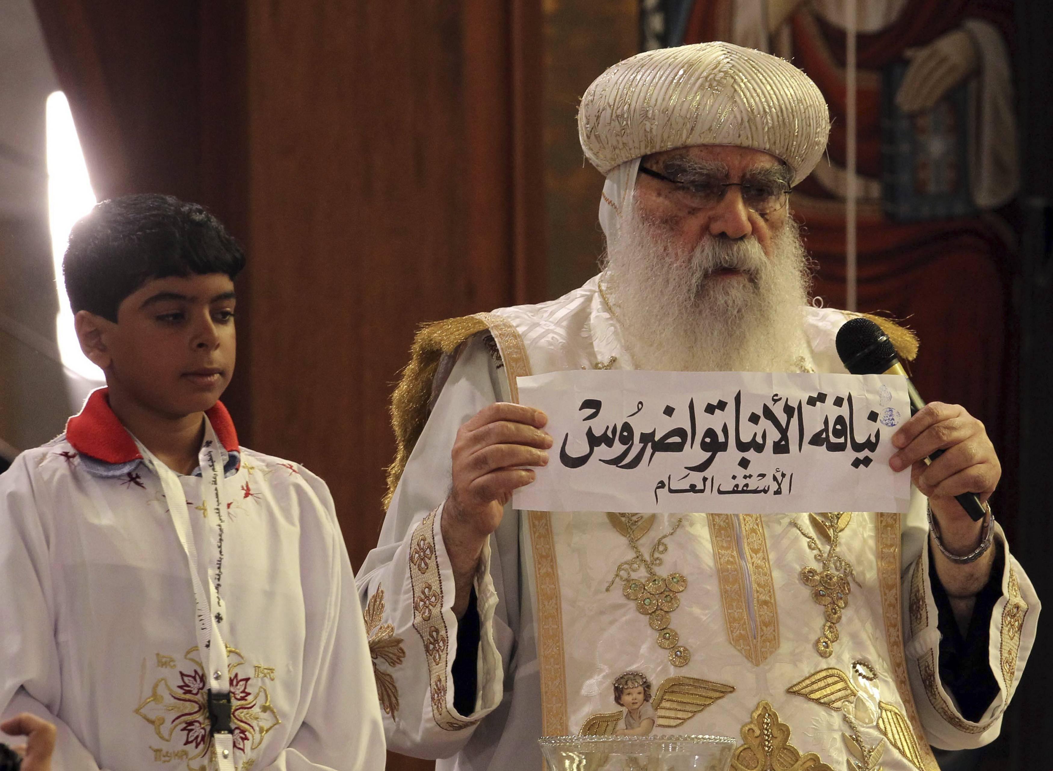 Mursi meets new pope, reassures Egypt's Christians
