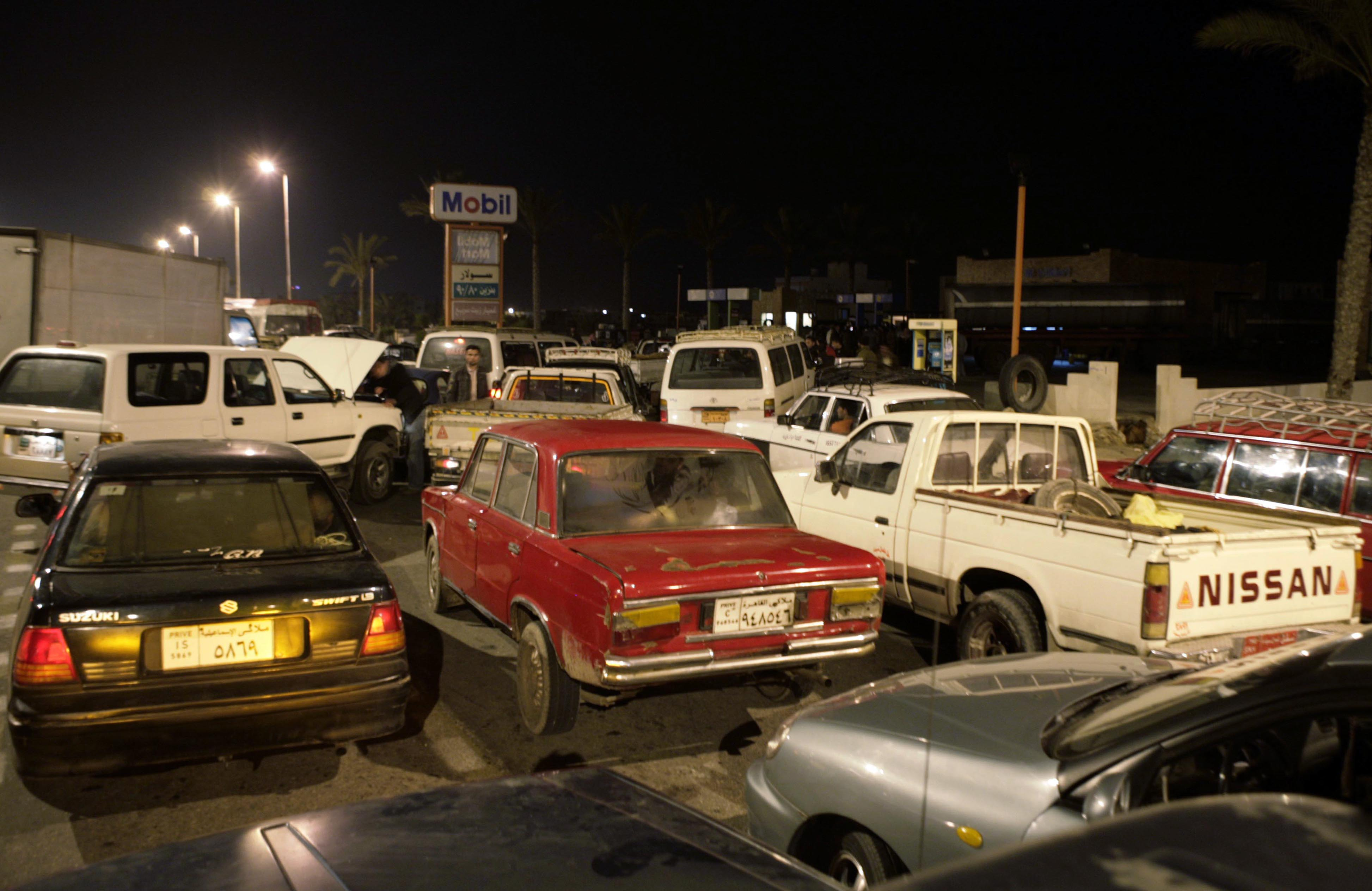 Egypt energy bill mounts, fuel shortages return