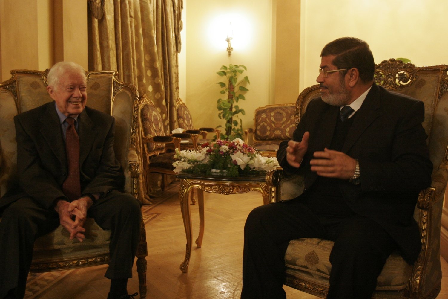 Carter asks U.S. to support Islamic rule in Egypt