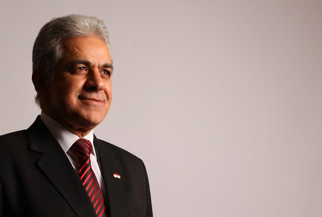 Presidential hopeful Sabahi chants against military council in football Ultras sit-in