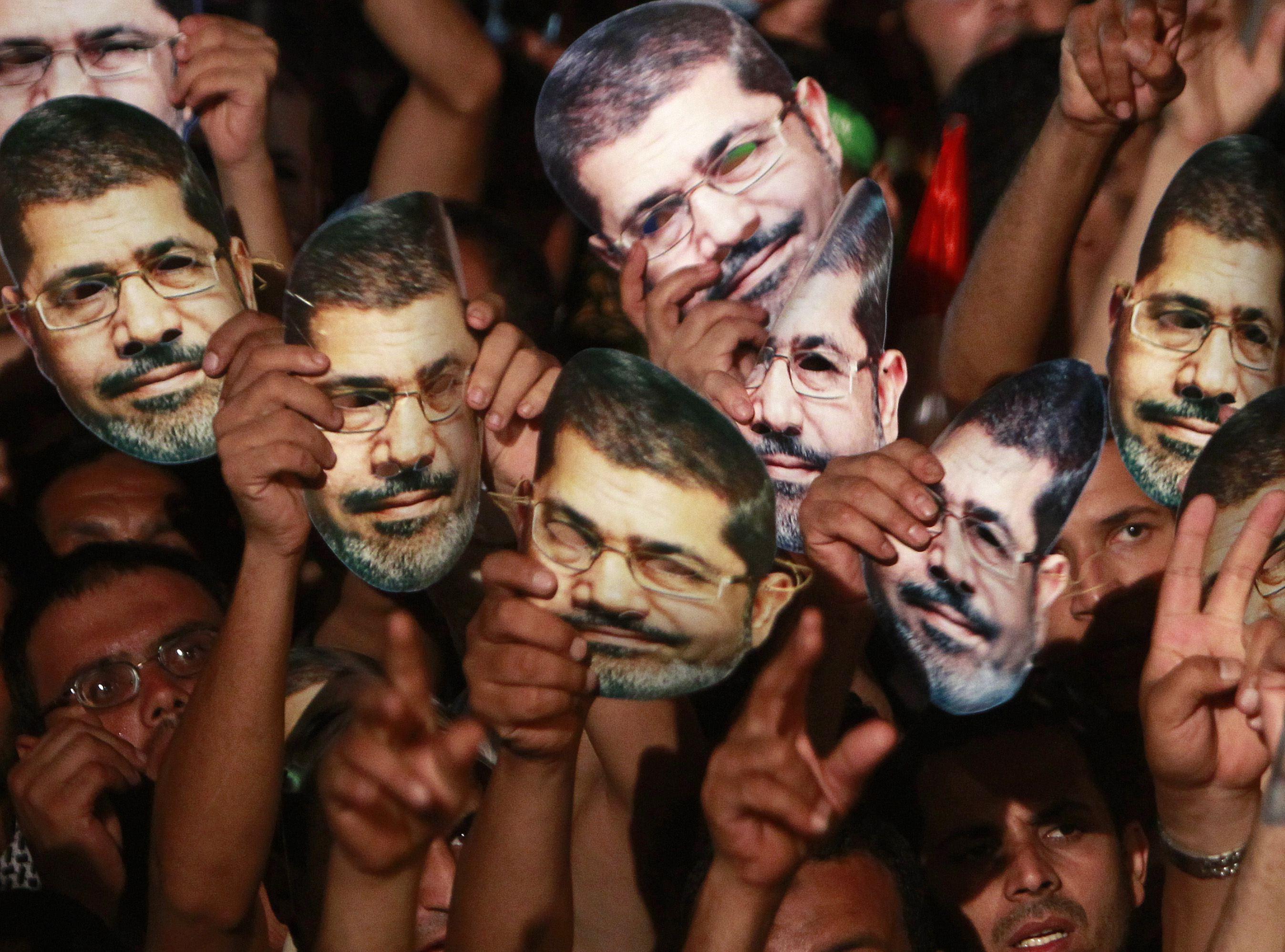 Eleven tortured bodies found near Islamists sit-in - source