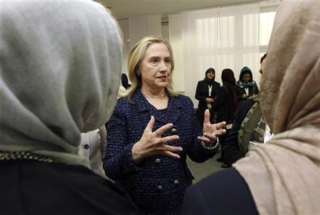 Clinton visits Egypt to discuss Israel-Hamas truce