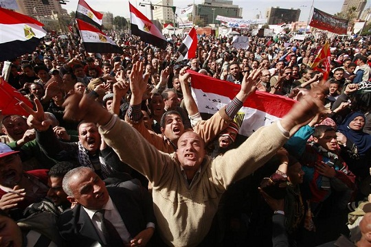 Police fire teargas on edge of Cairo's Tahrir