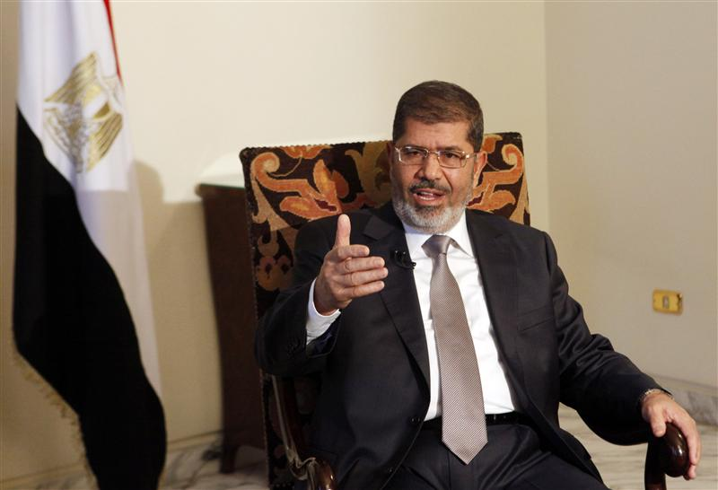Egypt's Mursi calls Dec. 15 referendum on constitution