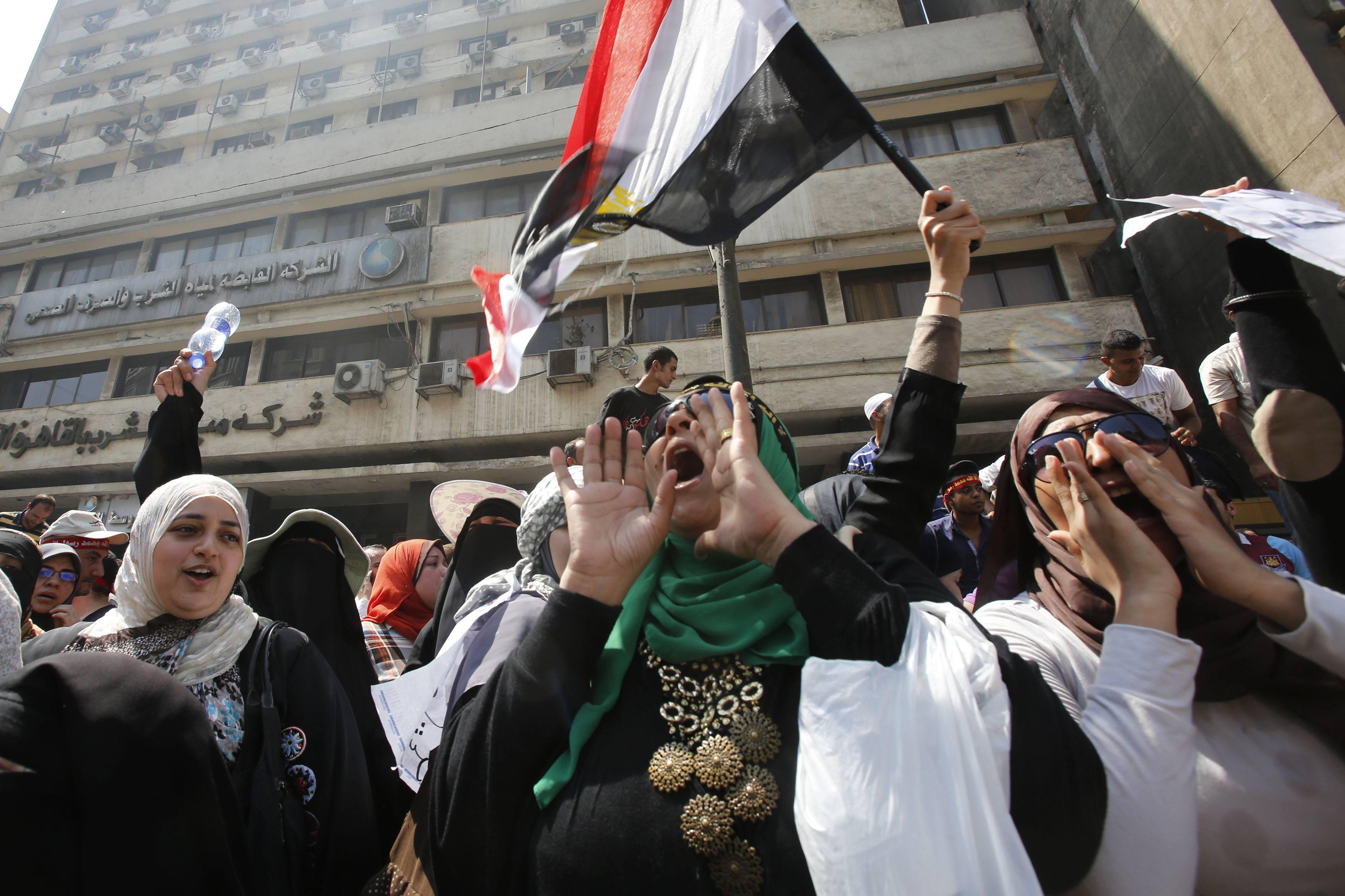 Scuffles break out between Mursi supporters, Shubra residents