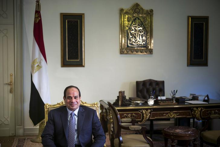 Egypt's Sisi heads to Algeria in first foreign tour