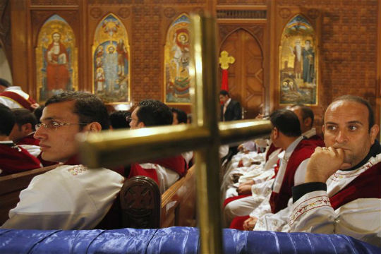 Egypt's Copts abandon Sinai homes after threats, attack