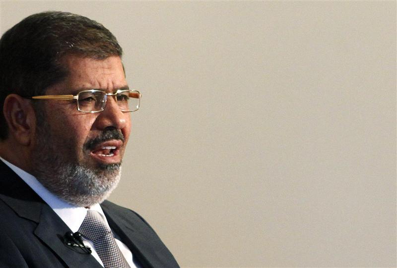 Mursi draws fire with new Egypt decree