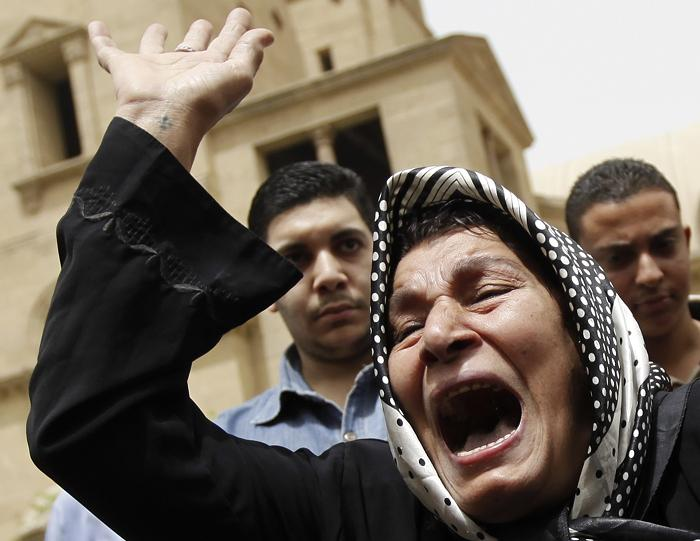 Human Rights Watch urges Egypt to solve Muslim-Christian strife