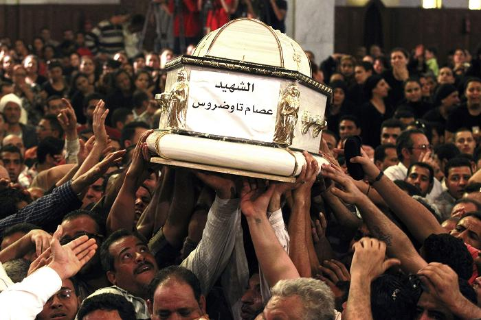 Egyptian Copts and Muslims clash again, in central Cairo