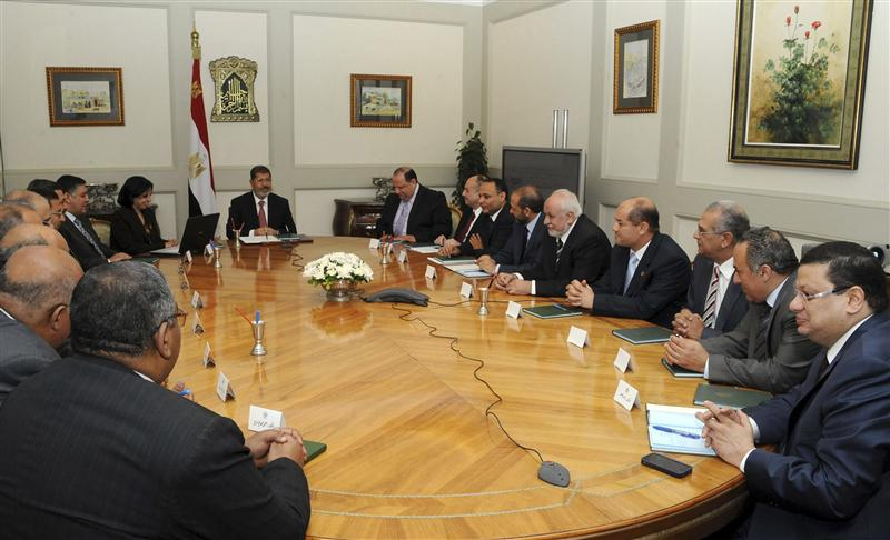 Egypt president meets army chief, officials over crisis