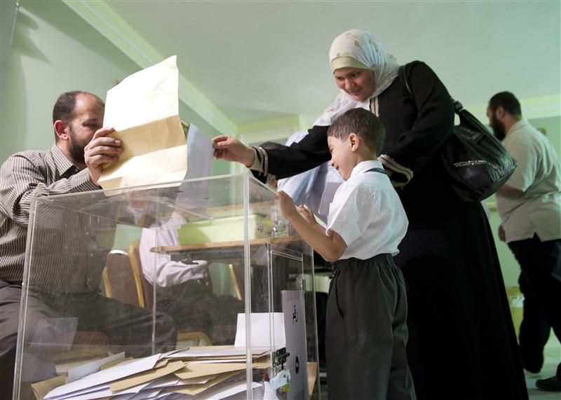 Egypt extends voter registration for parliamentary elections