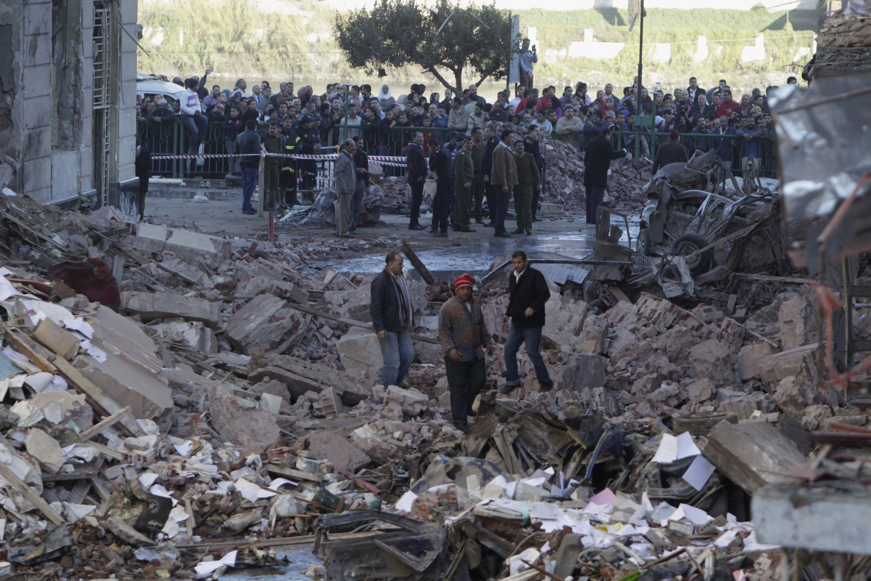 Alexandria blasts leave 1 dead, nine injured - sources