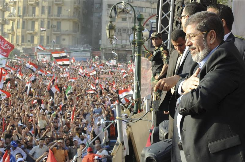 Egypt's Mursi praises judiciary, says will clean up corrupt elements