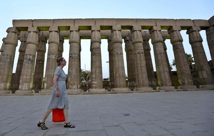 Egypt aims to raise $1 bln through investment fund to support tourism