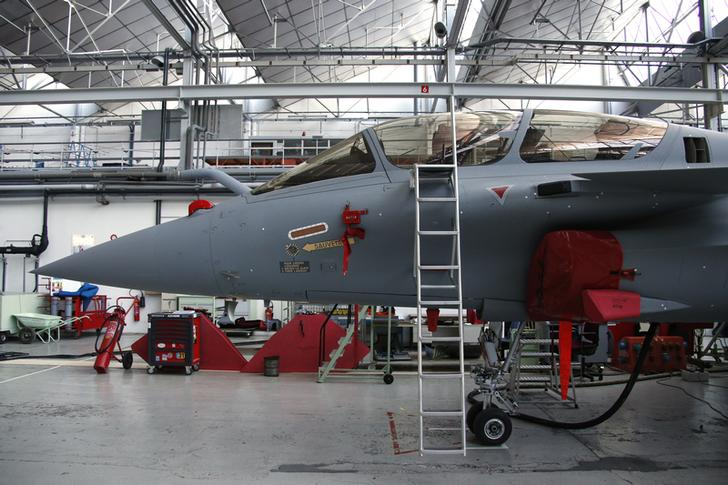 Egypt receives first batch of Rafale fighter jets from France - military official