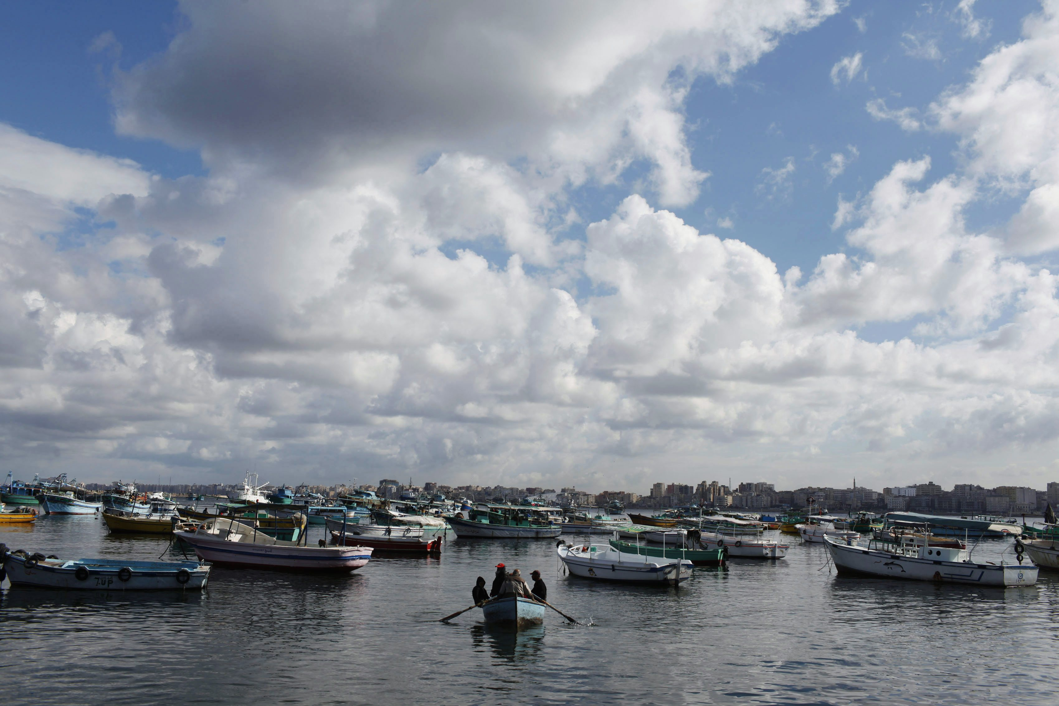 Egypt closes ports due to bad weather
