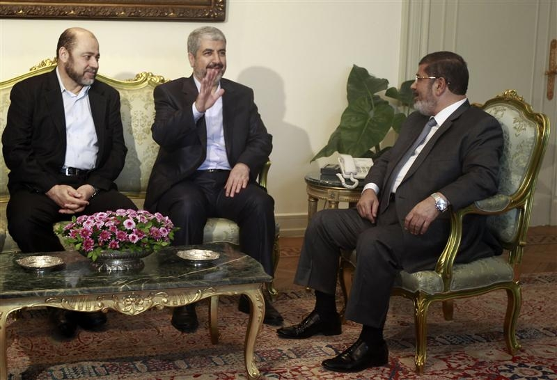Egypt's president to meet Palestinian rivals on unity
