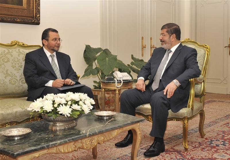 Egypt president meets cabinet to eye developments