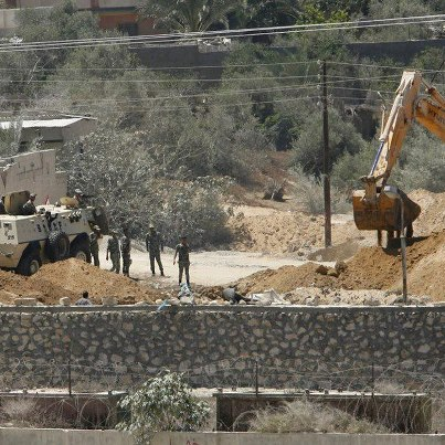 REUTERS - Egypt army digs trench along Gaza border to prevent smuggling