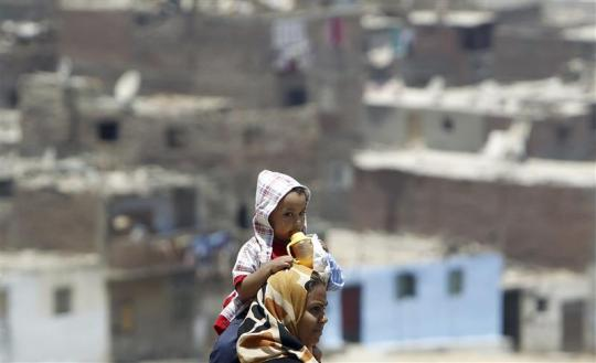 Egypt allocates 1 billion Egyptian pounds in state funds to develop slums