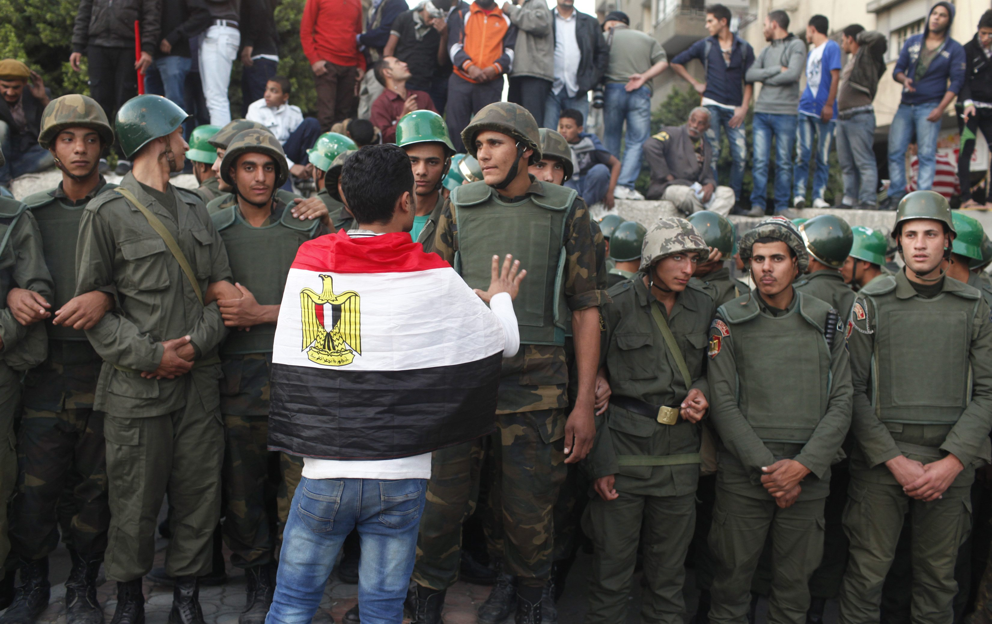 Egyptian army to host unity talks as crisis deepens