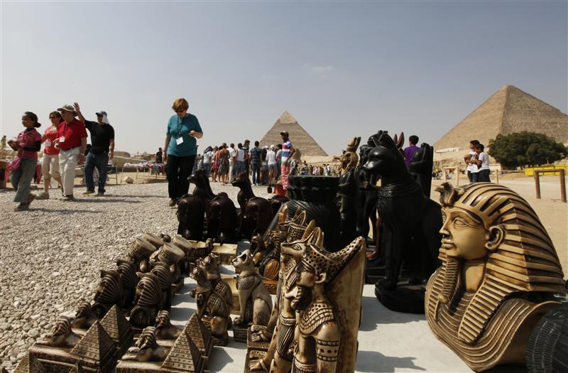 Egypt considers security cameras at tourist sites