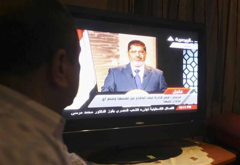 Egypt's Mursi calls for unity, vows to fix economy
