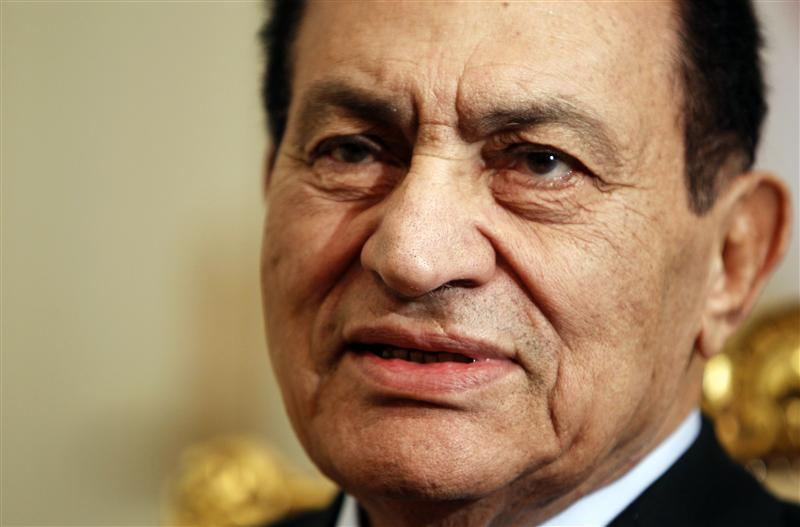 Mubarak x-rays show three broken ribs