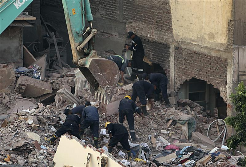 Update: Death toll rises to 11 in Alexandria building collapse